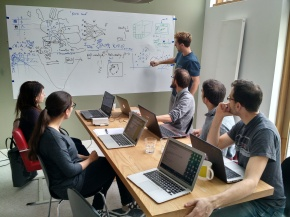 Data Science Bootcamps – the bridge from academia to the first data science job